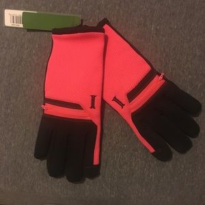 iTouch gloves with zipper pouches!